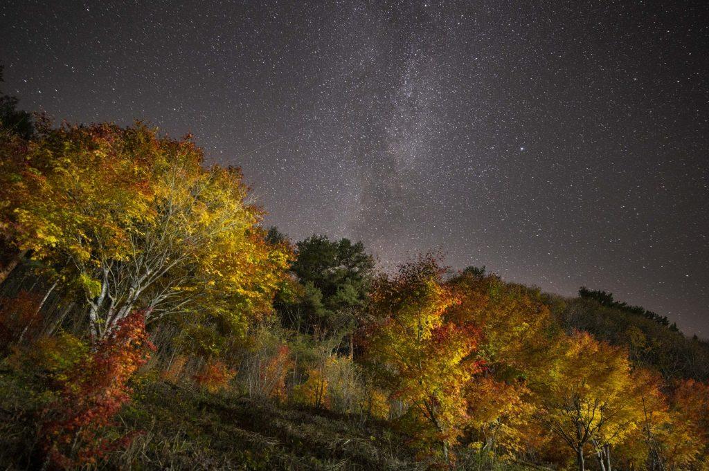 木曽の紅葉と天の川
