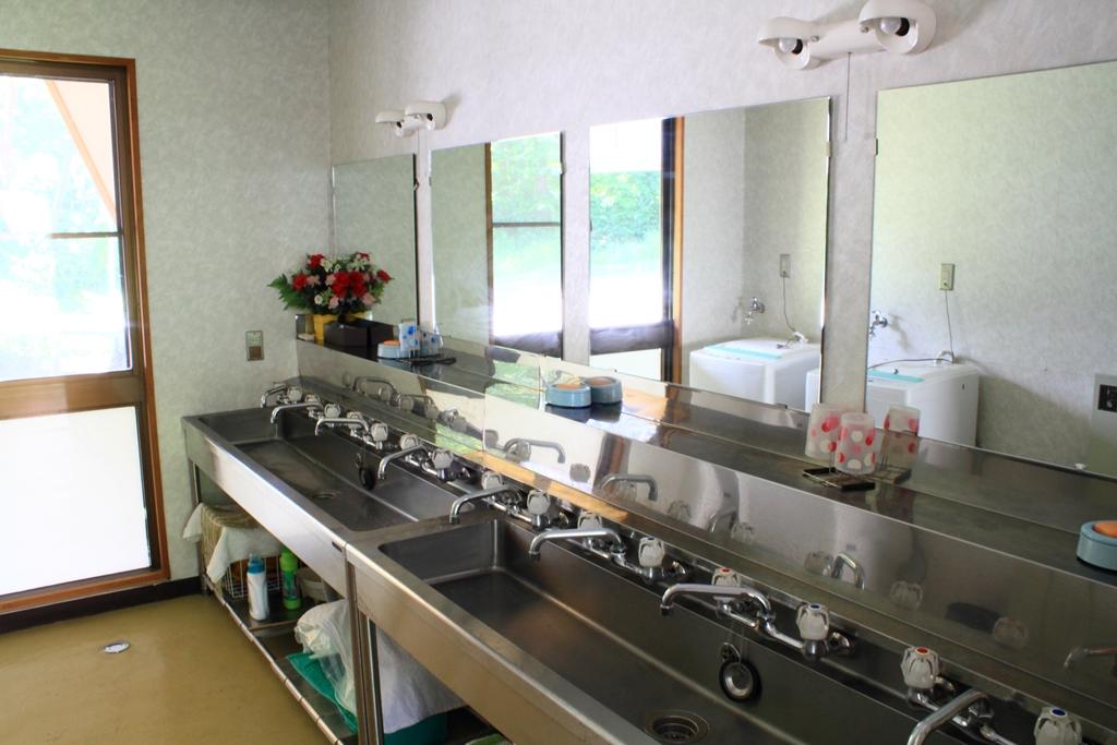セミナーハウス 共同洗面所
